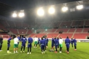El Betis se entrena en el Roazhon Park de Rennes
